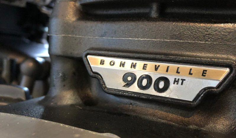 Triumph Boneville T100 Inmaculada completo